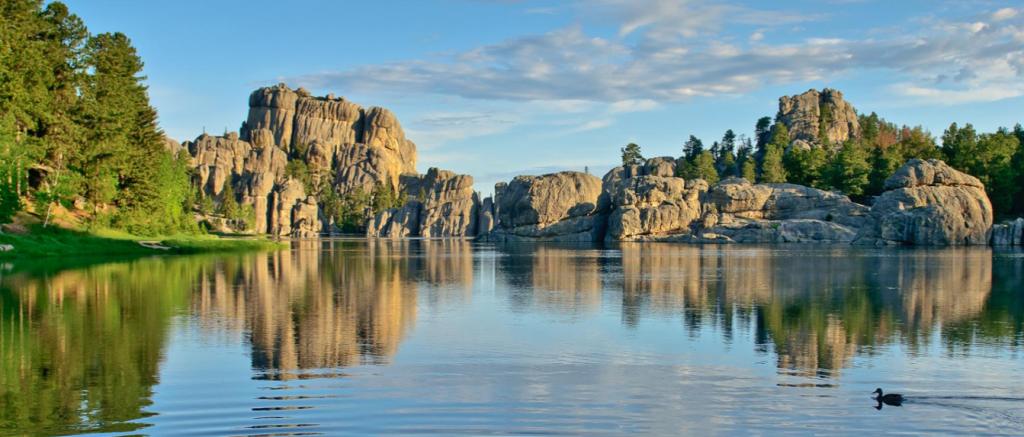 Photo of Sylvan Lake in Custer State Park.